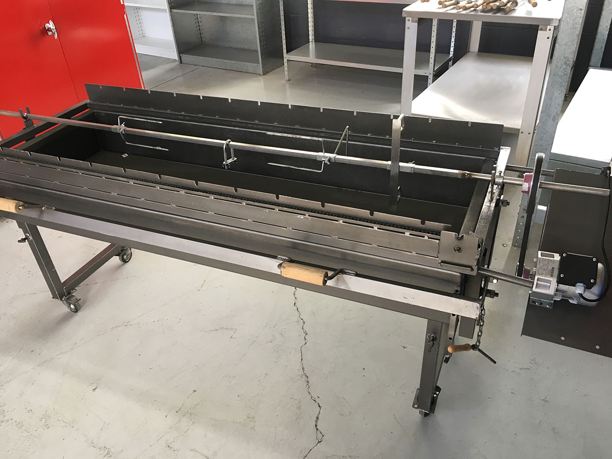 Large-Charcoal-Grill_BBQ-01