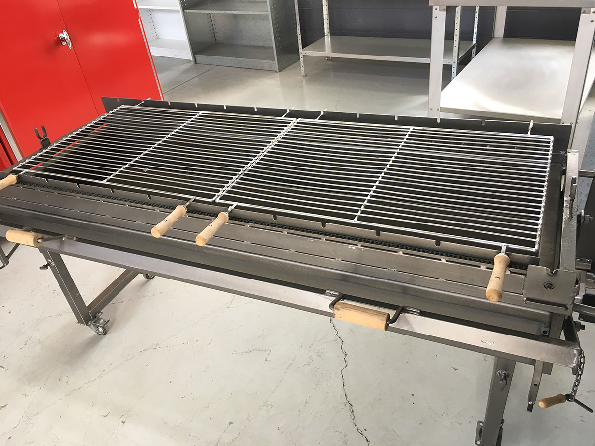 Large-Charcoal-Grill_BBQ-03